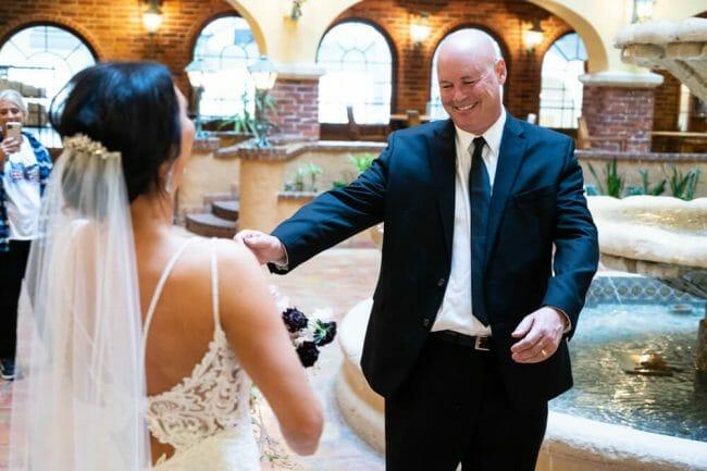 dad seeing bride in Kansas City